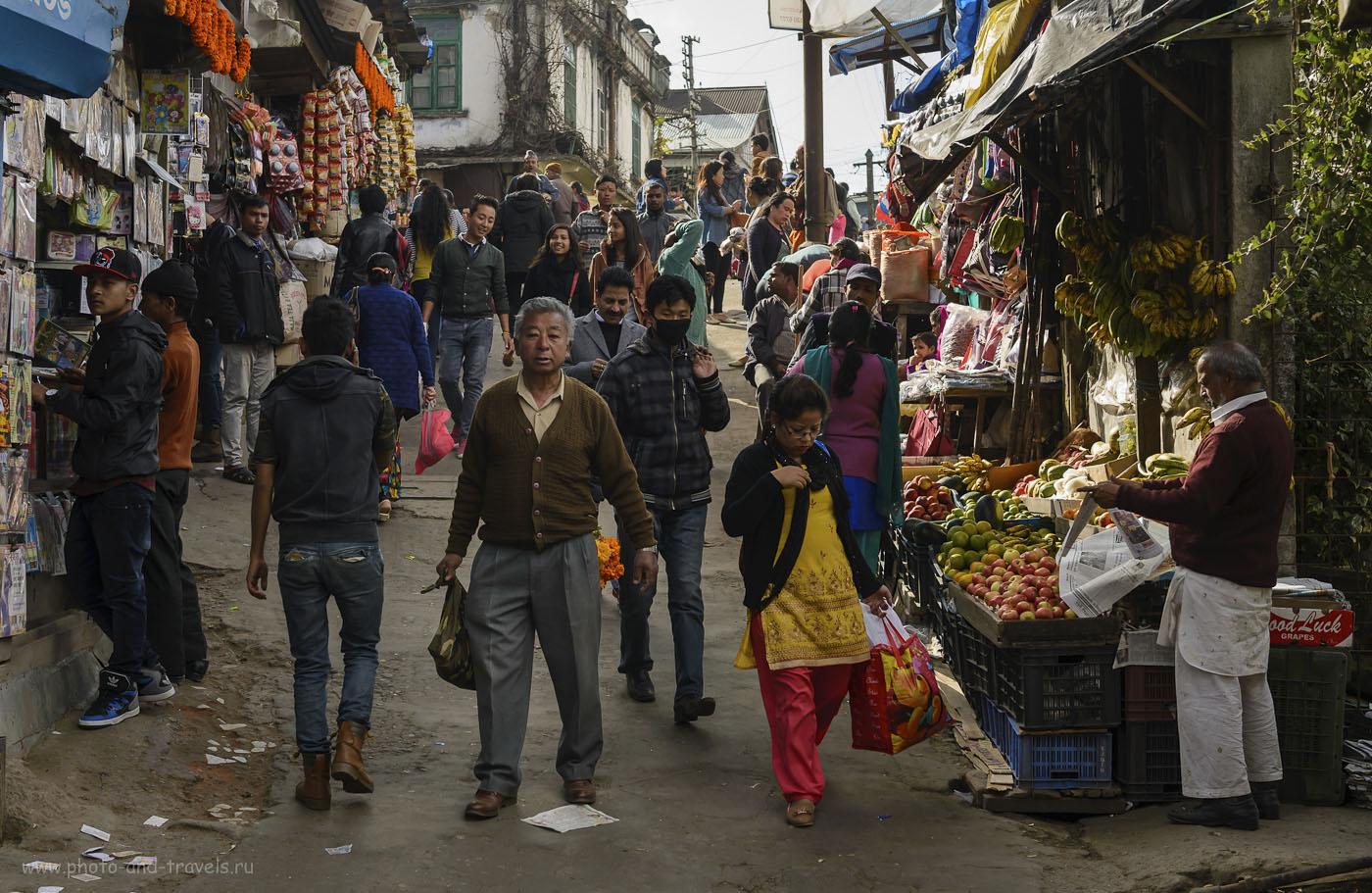 Фото 18. В этой части страны обитают «другие»… В первой части отзыва я писал, что Индия – одна из самых многонациональных стран на планете. И причина, почему большинство говорит по-английски в том, что для них он – как русский для жителей России: средство межнационального общения. Поездка в Дарджилинг из Варанаси. 1/250, -1.33, 5.0, 250, 44.