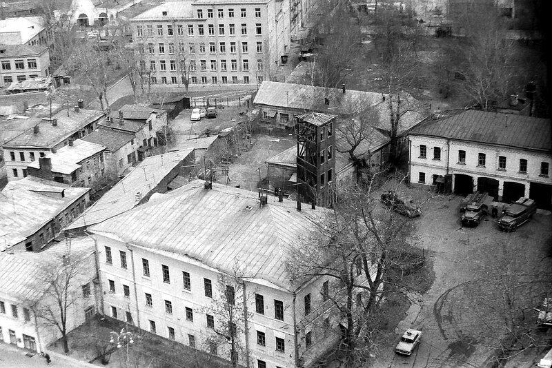17388 Вид с высотки на пл.Восстания Осмачек В.А. 1967.jpg