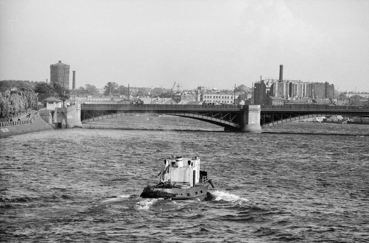 10. Вид в сторону Литейного моста