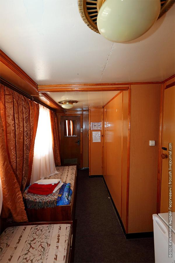 Двухместная одноярусная каюта №17 на средней палубе. теплоход Белинский
