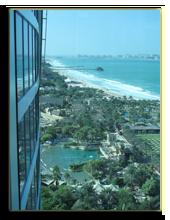 ОАЭ. Дубаи. Вид на парк Wild Wadi из Jumeirah Beach Hotel