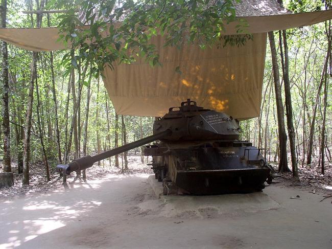 0 7aaf4 21be1903 orig Тоннели и ловушки вьетнамских партизан