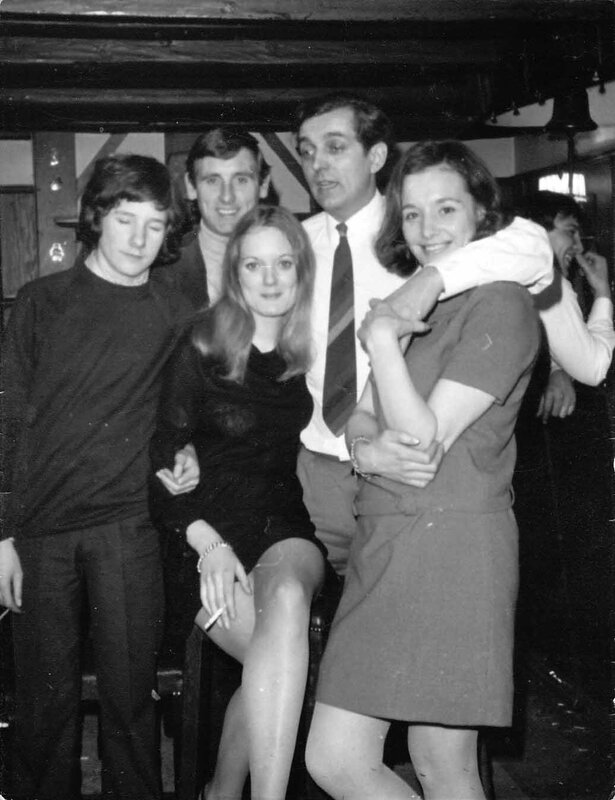 1969-00 David, Frank Reynolds, Eve, Peter Glenn & Molly