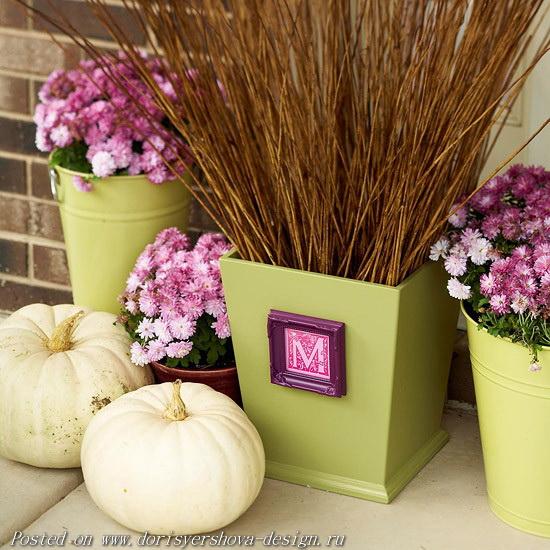 ФИСТАШКОВЫЙ И РОЗОВО-ЛИЛОВЫЙ - тыквы и хризантемы в декоративных ведрах