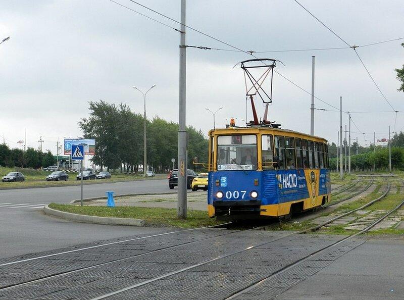 Набережные Челны.  Просмотров: 43 / Комментариев: 1 477 КБ.  Проспект Яшьлек, маршрут 4 В новой рекламе.