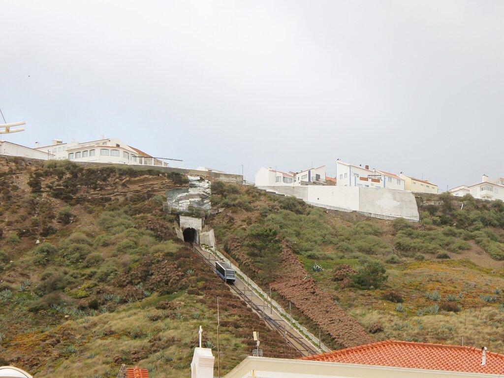 Portugal, Nazare. Funiculair. Portugal, Nazare, funicular
