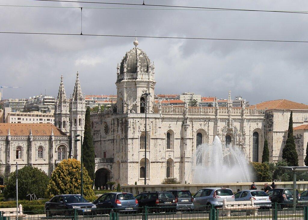 Лиссабон. парк Империи, монастырь Жеронимуш