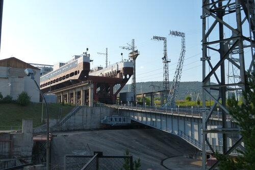 Красноярская ГЭС Судоподъемник - разворотный круг