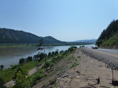 Дорога вдоль Селенги в Бурятии
