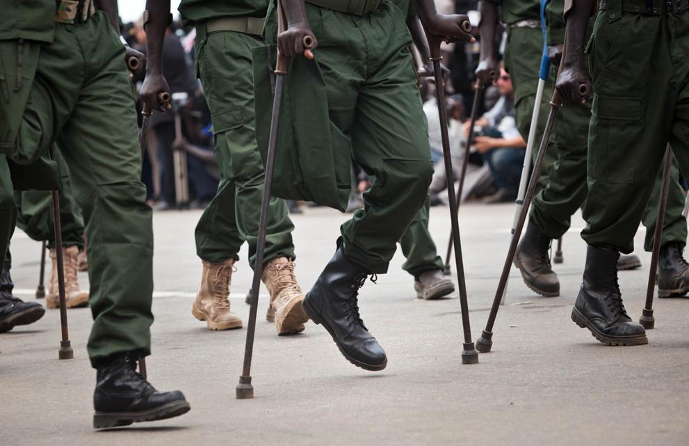 25. Раненые солдаты Народной армии освобождения Судана на параде в честь дня независимости в Джубе.