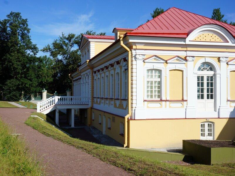 Картинный домик