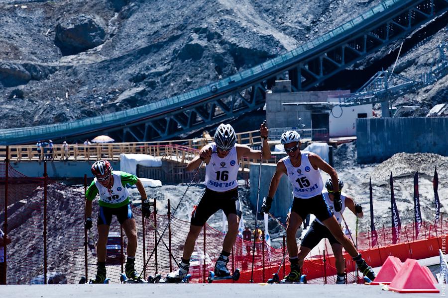 10:55 05.08.2012 Гран-при по лыжному двоеборью.  Летняя лыжная гонка в Сочи.  2,5 километровая трасса лыжного...