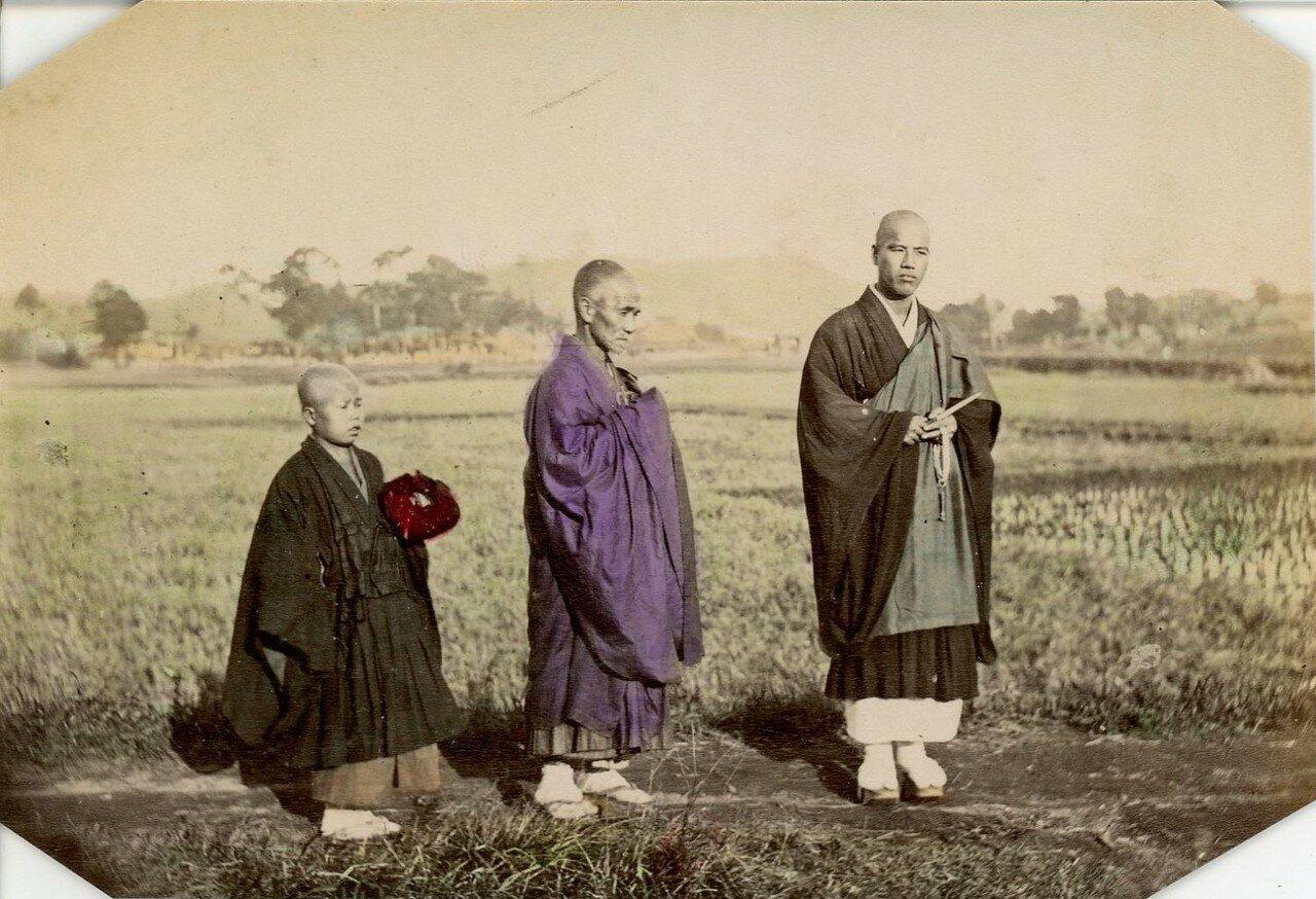 Три поколения монахов