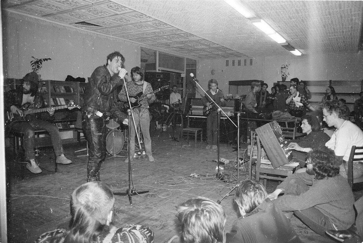 1993. На концерте Ника Рок-н-Ролла в библиотеке на Чехова