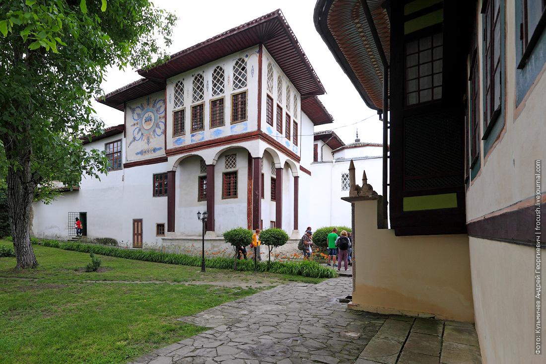 Ханский дворец Главный дворцовый корпус