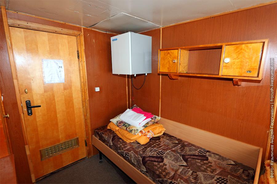 Двухместная одноярусная каюта №8 на средней палубе. проект 646 теплоход Белинский