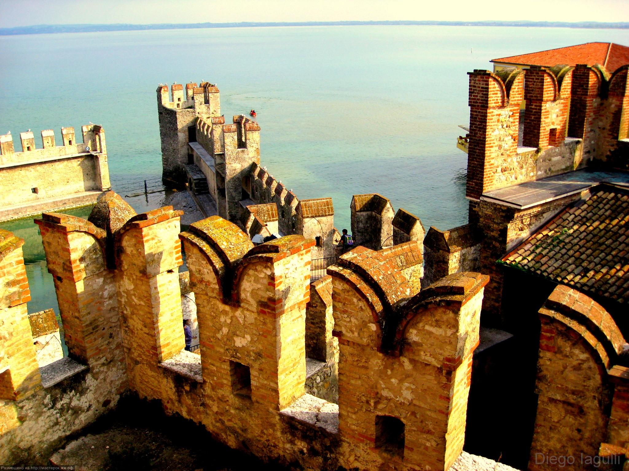 Замок Сирмионе (итал. Rocca di Sirmione)