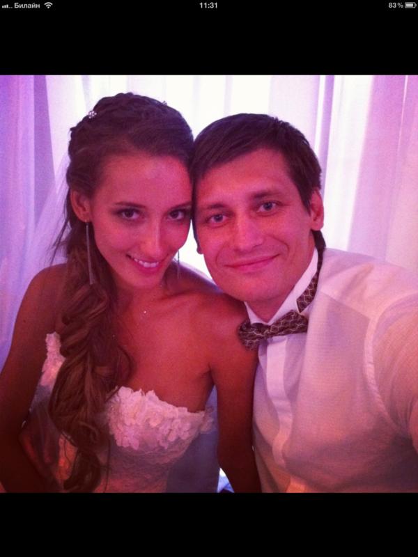 С костылями и без! Фото со свадьбы Гудкова IMG_0373.PNG
