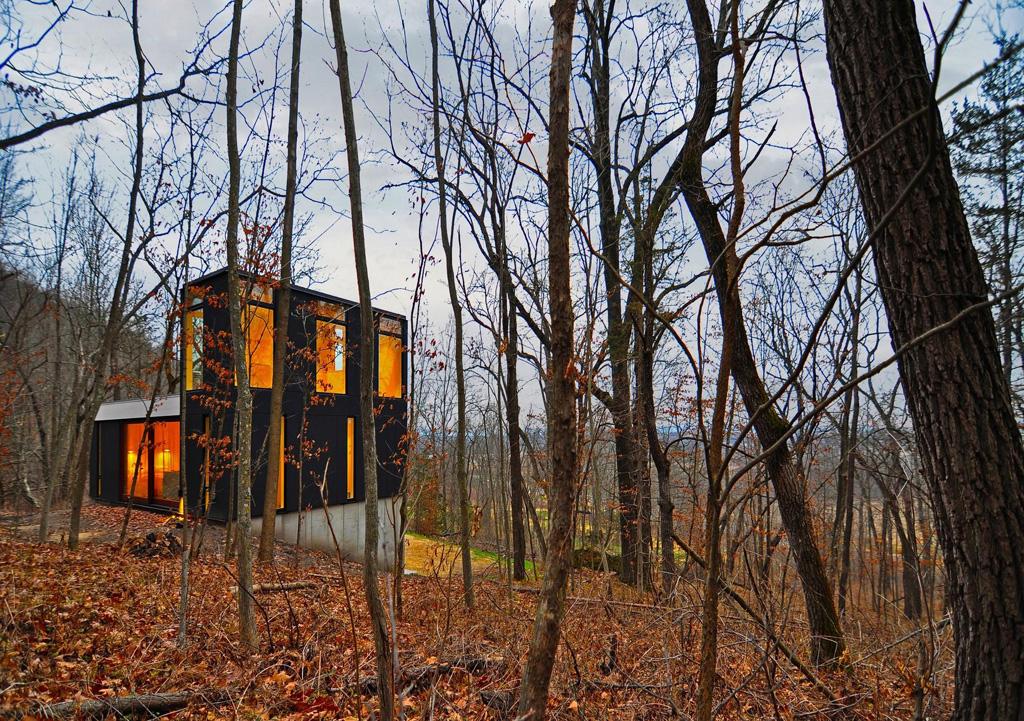 Cabin003.jpg