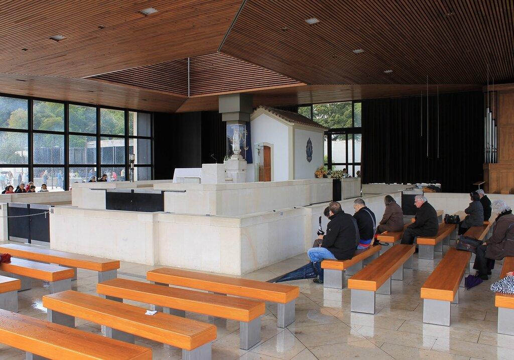 Сантуарио де Фатима. Часовня Явления. Santuário de Fátima.  Capelinha das Aparições