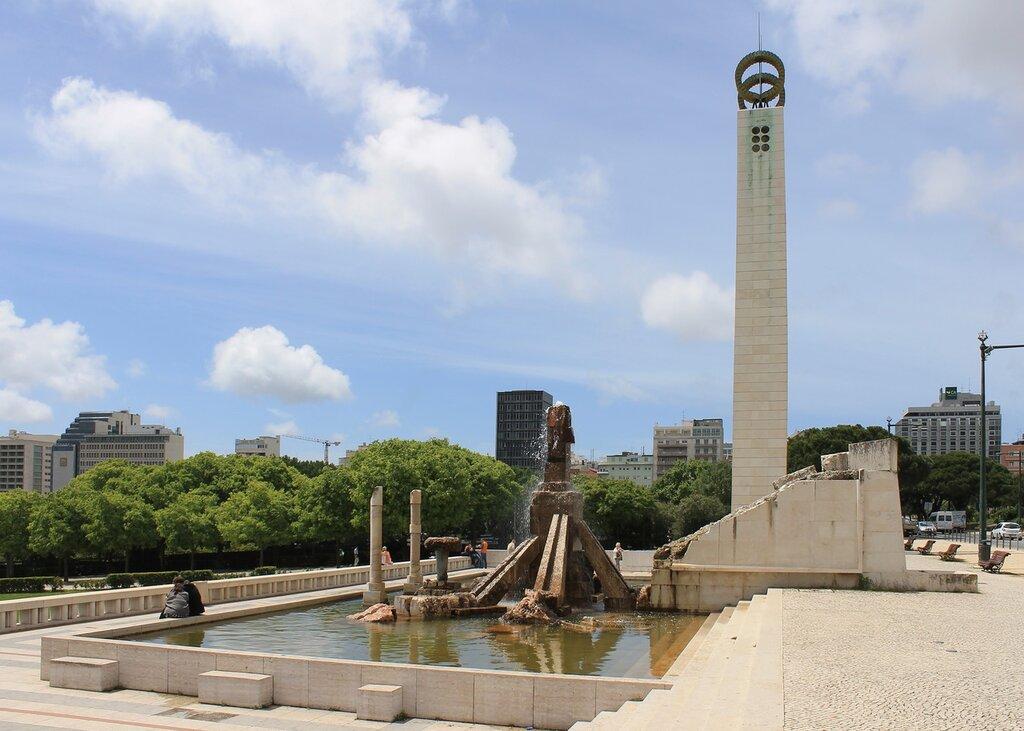 Лиссабон. Памятник революции 25 апреля (Monumento ao 25 de Abril)