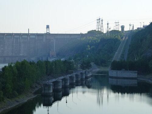 Нижний док судоподъемника Красноярской ГЭС