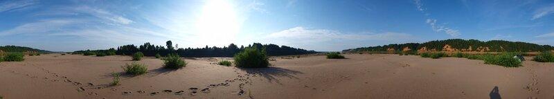 круговая панорама песчаного острова посреди Вятки