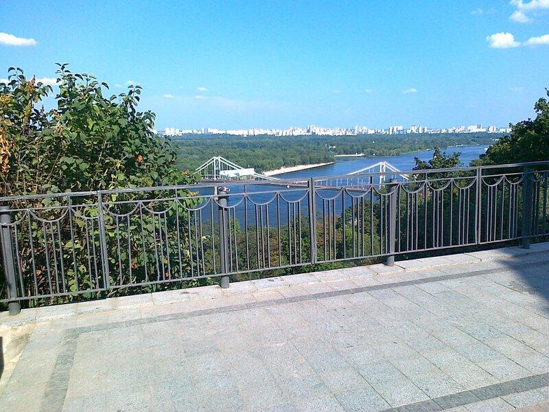 Обновленная смотровая площадка на Владимирской горке