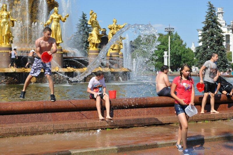Водная битва ВВЦ 29.07.2012