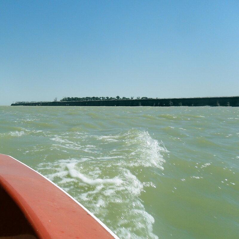 При свежем восточном ветре. На яхте. 2012-07-22