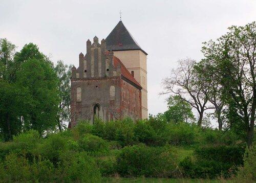 Замок Базлак, фото В.Смолика, 2012 г.