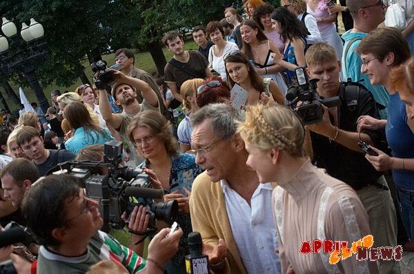 Андрей Кончаловский, Юлия Высоцкая