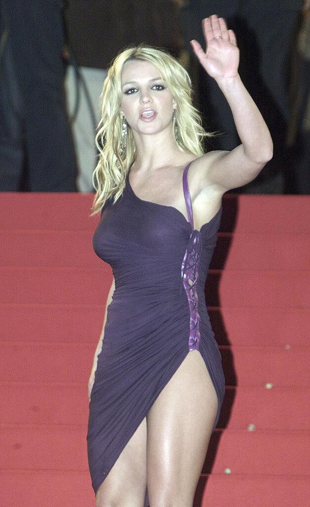 Ретропост: Бритни Спирс на NRJ Music Awards 2002