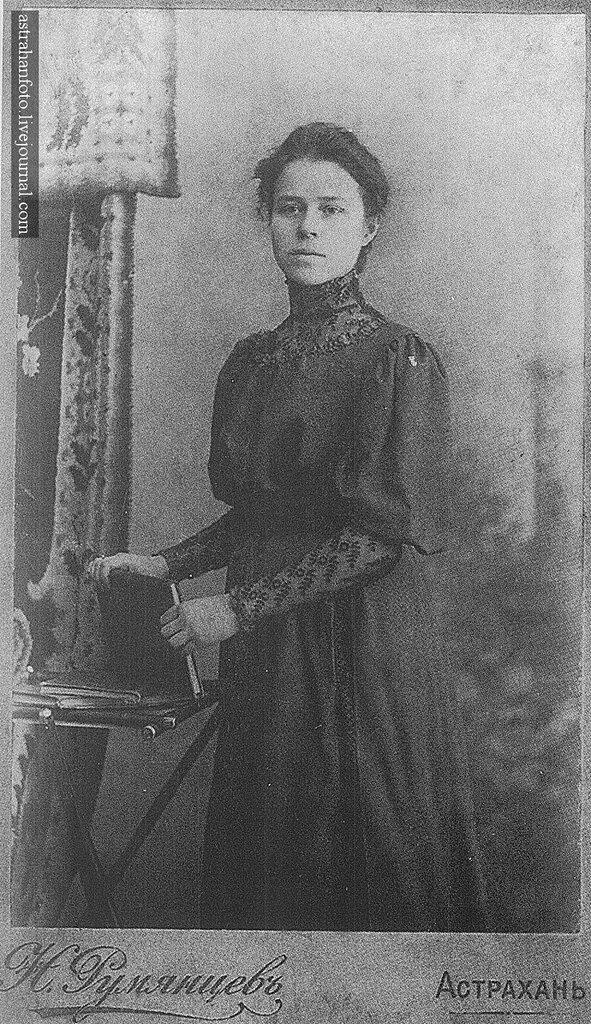 Портрет Л. Янчиковой. 1900-е годы.