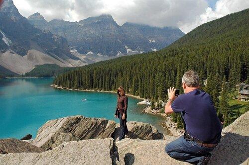 Канада. Дочь над озером Морейн.