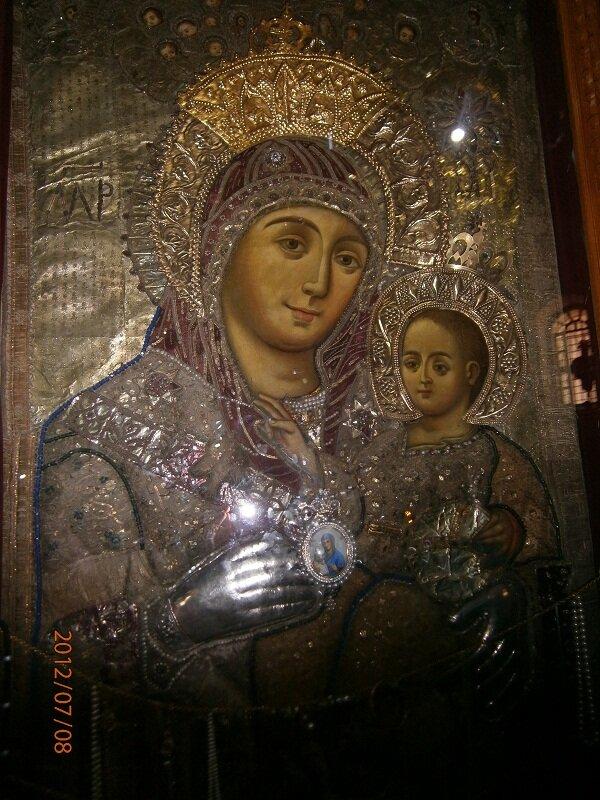 Улыбающееся дева Мария