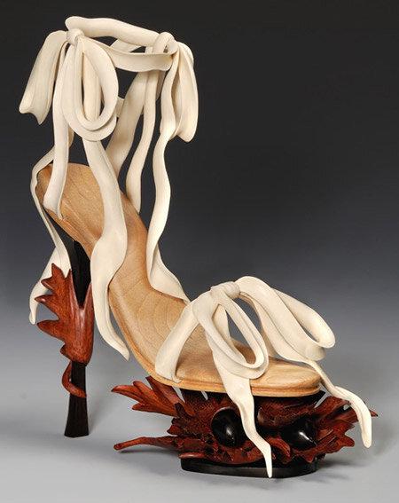 босоножки из дерева
