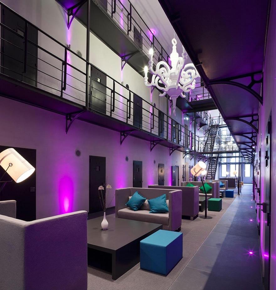 1. 150 камер бывшей тюрьмы превратили в 36 роскошных номеров и 7 сьютов, включая четыре специальных