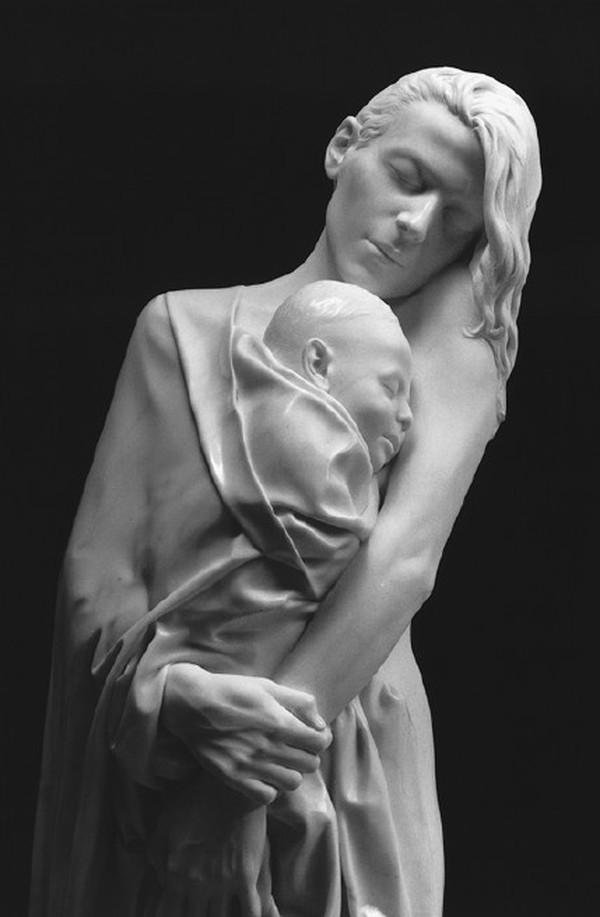 7. «Мама и спящий ребенок»