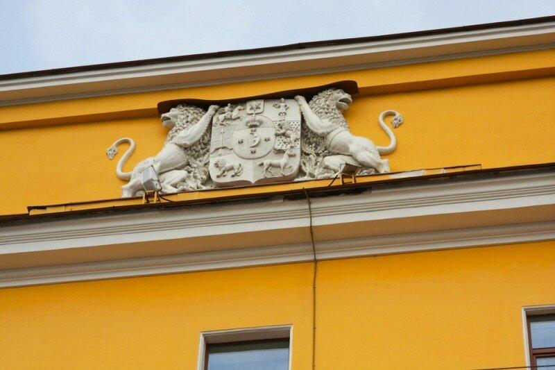 фронтон Юсуповского дворца