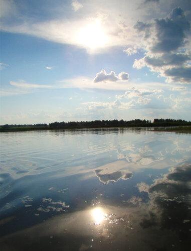 И на земле можно прикоснуться к небу, манящему своей неприступной красотой.
