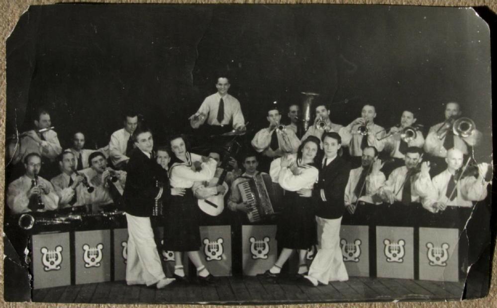 Выступление коллектива художественной самодеятельности Речлага. Конец 1940-х - начало 1950-х. Воркута (Коми АССР)