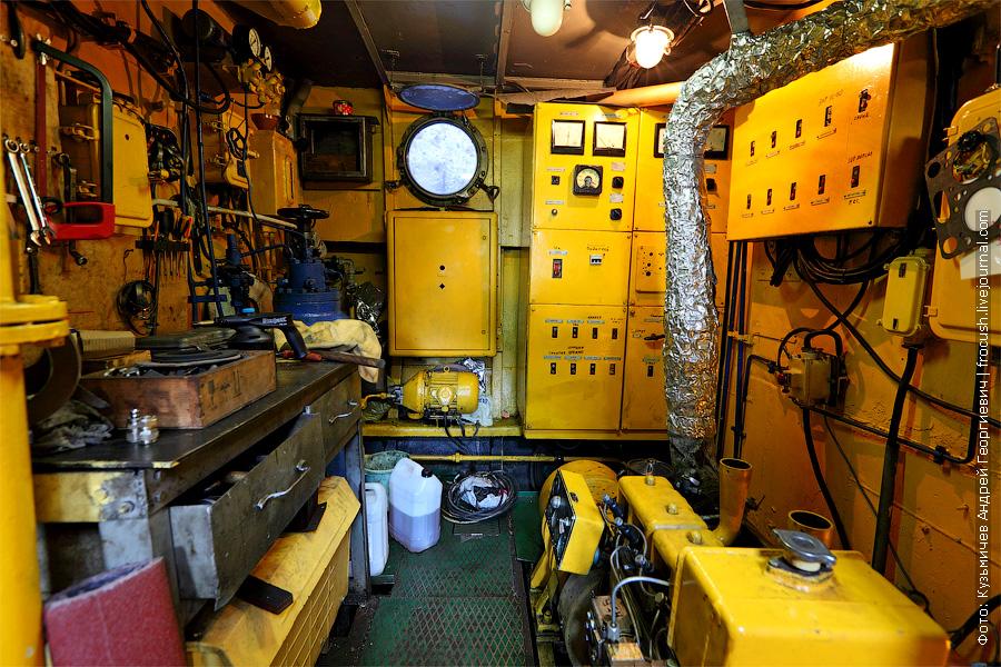 Машинное отделение «ОМ». банкетный теплоход «Берегиня», тип «ОМ»