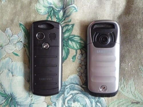 Samsung B2710 и C3350 (вид сзади)