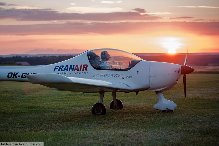 Узнайте как управлять самолетом на отдыхе в Чехии