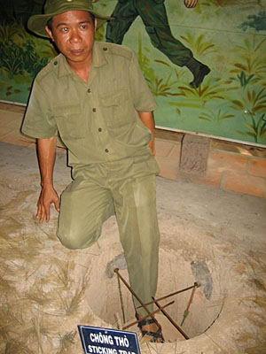 0 7aafa 23f0b31c orig Тоннели и ловушки вьетнамских партизан
