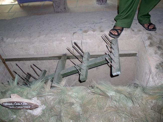 0 7ab04 d9821524 orig Тоннели и ловушки вьетнамских партизан