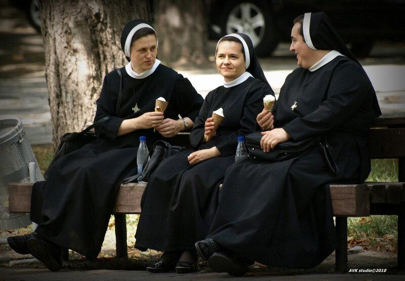 фото с монашками