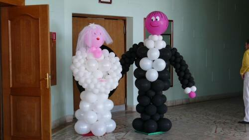 Жених и невеста из шаров.