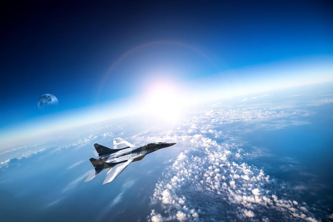 2. Полет на истребителе в стратосферу — от 1 114 500 руб. 45 минут незабываемого полета на реактивно